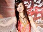 林苇茹轻纱长发装扮 性感代言在线游戏