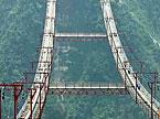 湖南矮寨特大悬索桥主缆架设完工